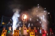 فروغ و آتش بازی به هنگام آغاز جام ورزشی در تهران