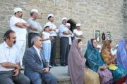 در آیین گاهنبار خوانی موبدان، کاردار سفارت ایران در باکو نیز حضور یافت