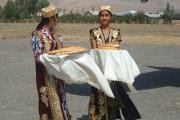 پذیرایی نان ونمک تاجیکان