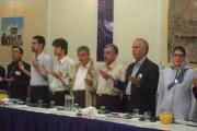 نمایندگان نهادها در آغاز میزگرد همایش