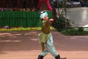 هنر نمایی نوجوان تاجیکی