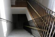 پلکان ورودی به بخش بالایی مرکز زرتشتیان