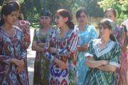 پوشش سنتی دختران تاجیک