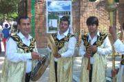 گروه موزیک با لباس سنتی تاجیکی