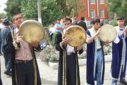 گروه موسیقی محلی تاجیکی در برنامه گشایش