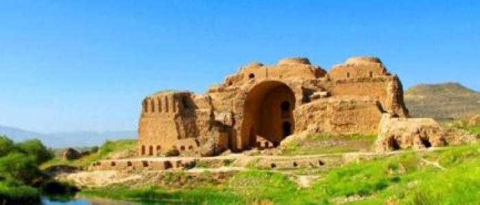 جاده عسلویه به شیراز از حریم کاخ اردشیر بابکان میگذرد
